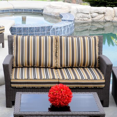Meadow Decor Windsor Loveseat