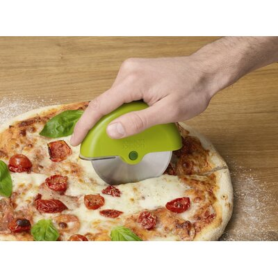 Joseph Joseph Scoot Pizza Wheel with Guard in Green