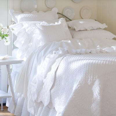 Taylor Linens Laura Quilt Collection