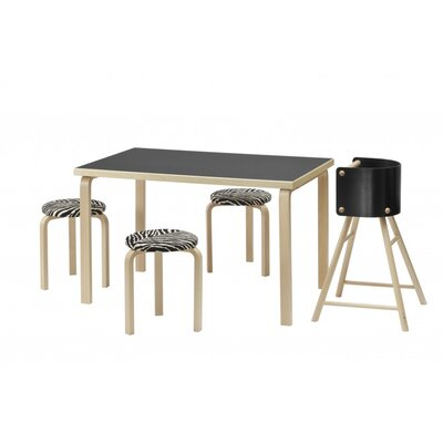 Artek 81B Table