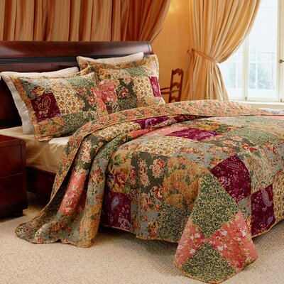 Antique Chic Quilt Collection