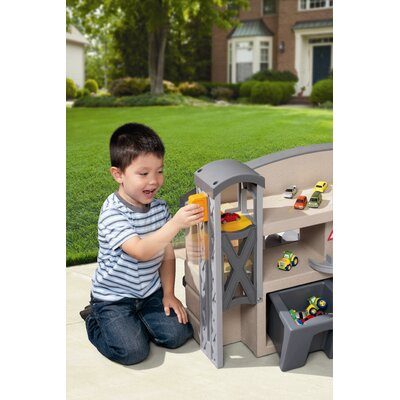 Little Tikes Race 'N Re-Fuel Pit Stop Playhouse