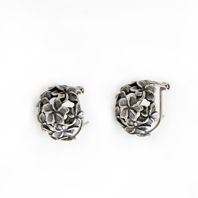 The Kenari Artisan Sterling Silver Geraniums Flower Earrings