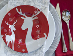 3 Ideas for Decorating a Holiday Table